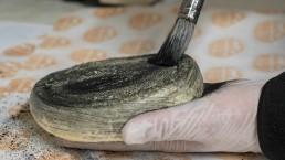 a sajtmester bekeni bükk faszénnel a lágy sajtot